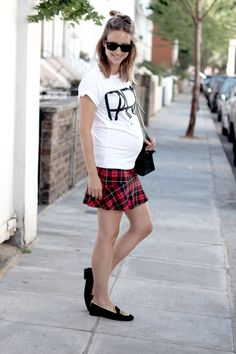 T-shirt ASOS, tartan skirt Zara, skull loafers Penelope Chilvers, bag Proenza Schouler PS11 mini classic, sunglasses Ray Ban Wayfarer, and shark tooth necklace Fashionology