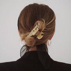 BrittaNickel BrittaNickel Vanellope Hair Clips – VaWedding Hair Accessories CrysHair Clip Styles for sch Clip Hairstyles, Messy Hairstyles, Blonde Hairstyles, Thin Hair Updo, Hair 2018, Good Hair Day, Bad Hair, Hair Looks, Hair Trends