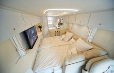 car in home interior | Motorhome mais luxuoso do mundo | Blog Insôônia