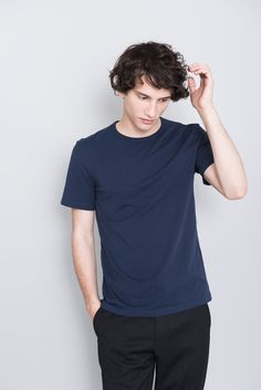 The ASKET T-shirt in navy blue #asket