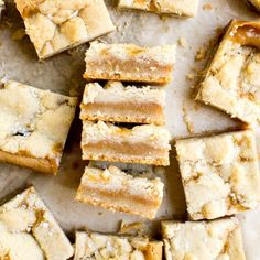 Salted Caramel Bars are chewy and delicious. Salted caramel is baked between two layers of butter shortbread dough until perfectly golden and chewy. Baked Brisket, Salted Caramel Bars, Moist Pumpkin Bread, Pumpkin Bars, Almond Cupcakes, Meat Lovers Pizza, Coffee Cake Muffins, Cinnamon Coffee, Pizza Casserole