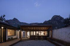 Gallery of Yi She Mountain Inn. / DL Atelier - 1