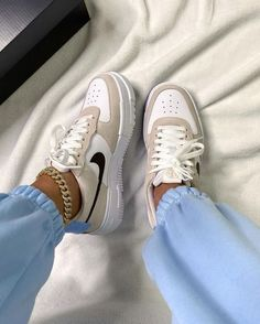 Dr Shoes, Cute Nike Shoes, Swag Shoes, Cute Nikes, Cute Sneakers, Nike Air Shoes, Hype Shoes, Me Too Shoes, Sneakers Nike