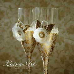 Gold / Wedding / Champagne Flutes / Gold / Ivory - pinned by pin4etsy.com