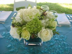 Hawaiian Island Wedding Planners: BLUE, GREEN, & WHITE WEDDING COLOR PALETTE