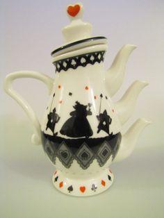 alice in wonderland teapot from disney tokyo