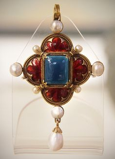 Enamelled gold and gem-set pendant, Italian, about 1900