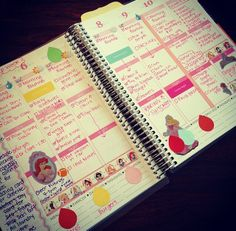 LOVE this picture from one of our fab fans Kimberly! so creative... thanks for sharing! #bestcustomers #socreative #eclifeplanner #erincondren