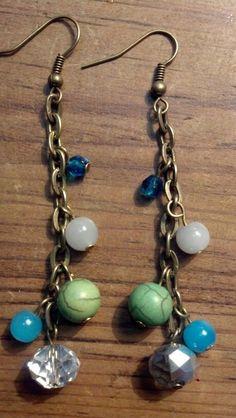 Pretty idea... Simple Jewelry, Modern Jewelry, Custom Jewelry, Chain Earrings, Beaded Earrings, Beaded Jewelry, Fashion Bracelets, Jewelry Bracelets, Homemade Jewelry