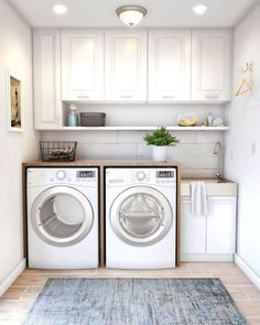 40 Gorgeous Small Laundry Room Design Ideas - Laundry areas, in general, easily end up a place where items are stored, stashed, and procrastinated -- to do later. With small laundry rooms this bec. Laundry Room Decals, Laundry Room Layouts, Laundry Room Remodel, Laundry Room Organization, Laundry Room Design, Laundry Organizer, Ikea Laundry Room, Bathroom Laundry Rooms, Laundry Room Wallpaper