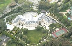 Billionaire heiress hopes to make $65 million on Spelling Manor, bought 3 years ago