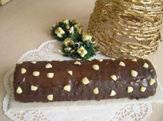 Chocolade reerug - Srnčí chrbát Desserts, Food, Tailgate Desserts, Deserts, Essen, Postres, Meals, Dessert, Yemek