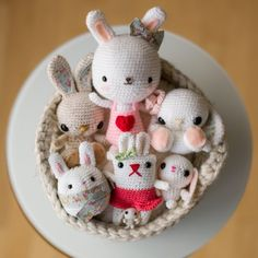 This basket full of bunnies are all FREE amigurumi crochet patterns, perfect for your Spring and Easter crafting!