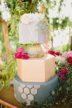 Wedding Cakes, Gift Wrapping, Table Decorations, Gifts, Home Decor, Wedding Gown Cakes, Gift Wrapping Paper, Presents, Decoration Home