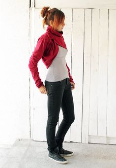 Valentine's day Dark red shrug Cowl neck with long by dressign, €47.00