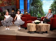 Sophia Grace and Rosie do the Running Man!