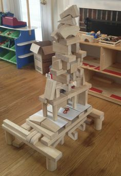 Introduction to Block Building with Children: amazing block structure created by a 5 year old! Play Based Learning, Learning Through Play, Learning Centers, Early Learning, Creative Curriculum, Preschool Curriculum, Kindergarten Art, Preschool Learning, Preschool Activities