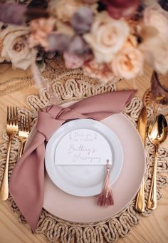 Dinner Party Table, Reception Table, Wedding Table, Diy Wedding, Reception Games, Elegant Dinner Party, Budget Wedding, Wedding Reception, Wedding Planner