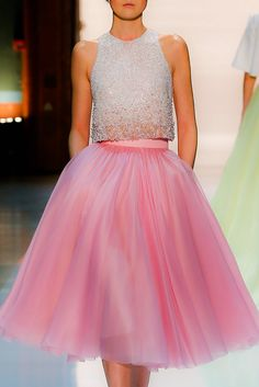 Find and save up to date fashion trends and the latest style inspiration, ootd photography and outfit looks Pink Fashion, Fashion Beauty, White Fashion, Skirt Fashion, Women's Fashion, Divas, Glamour, Pink Tulle, Everything Pink