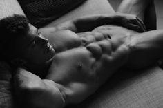 Nicolas-Jordy-The-Seduction-Thomas-Synnamon-Burbujas-De-Deseo-05.jpg (1000×666)