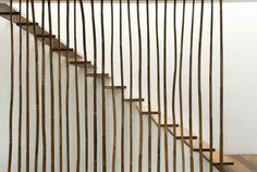 escalier droit autoportant sans limon et garde-corps en bambou