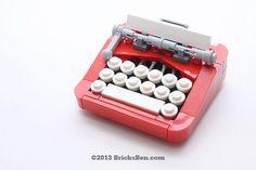 This retro typewriter is created by BricksBen (Benjamin Cheh & Jeffrey Kong)