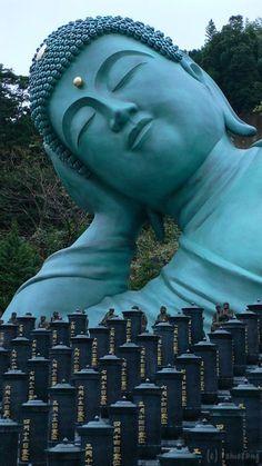 Fukuoka - The giant Sleeping Buddha of Nanzoin Temple, Fukuoka Prefecture in Japan. Travel Japan multicityworldtravel.com