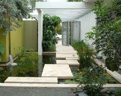 bassin d'eau décoration moderne