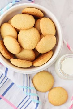 The Baker Upstairs: Homemade Nilla Wafers Homemade Vanilla Wafers Recipe, Homemade Cookies, Sugar Wafers Recipe, Vanilla Cookie Recipe, Homemade Sweets, Wafer Cookies, Vanilla Cookies, Vanilla Biscuits, Cheese Cookies