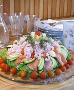 when cutting a vegetable into a spiral garnish, it's best if the vegetable is Sandwich Cake, Sandwiches, Spiral Vegetable Slicer, Vegetable Spiralizer, Baking Recipes, Dessert Recipes, Swedish Recipes, Dessert For Dinner, Antipasto