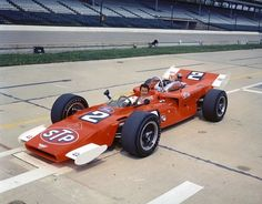 1969 Lotus-Ford that Mario Andretti was originally supposed to race in the 1969 Indianapolis but crashed on the Friday, before qualifications. F1 Lotus, Lotus Car, Indy Car Racing, Indy Cars, Old Race Cars, Slot Cars, Mario Andretti, Indianapolis Motor Speedway, Vintage Race Car