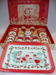 Wolverine Strawberry Tea Set in Box : Lot 97 Wolverine strawberry tea set in original box, 22 pieces, box 17 Vintage Tins, Vintage Dolls, Vintage Kitchen, Vintage Teacups, Vintage Stuff, Strawberry Tea, Strawberry Kitchen, Strawberry Shortcake, Strawberry Fields