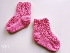 Knitting Socks, Free Knitting, Baby Knitting, Crochet Baby, Knit Crochet, Knit Baby Shoes, Baby Socks, Barbie Knitting Patterns, Cool Baby Stuff