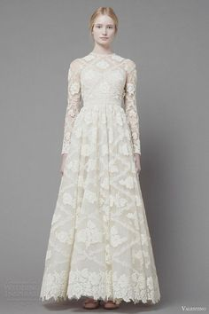 Dresses, White Long Sleeve Lace Wedding Dress: Valentino Pre-Fall 2013 Ready to Wear de novia de encaje mangas Bridal Gowns, Wedding Gowns, Lace Wedding, Wedding White, Trendy Wedding, Wedding Dress Cake, Ellie Saab, Modest Wedding Dresses, Dresses Dresses