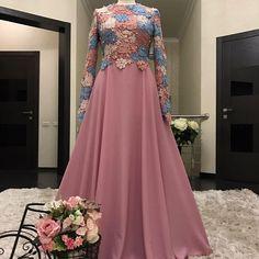 ideas for wedding dresses modest hijab Hijab Dress Party, Party Wear Dresses, Modest Wedding Dresses, Event Dresses, Dress Wedding, Wedding Abaya, Muslimah Wedding, Abaya Fashion, Muslim Fashion