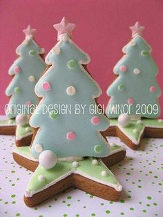 gingerbread small tree on star – The Best Christmas Cookies 3d Christmas Tree, Christmas Tree Cookies, Iced Cookies, Christmas Sweets, Christmas Gingerbread, Christmas Cooking, Christmas Goodies, Holiday Cookies, Holiday Treats