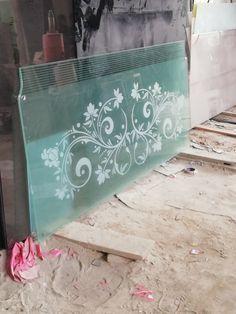 Staircase Glass Design, Window Glass Design, Frosted Glass Design, Balcony Railing Design, Glass Railing, Steel Railing, Sand Glass, Glass Art, Asian Paints Wall Designs