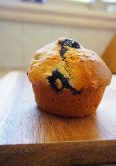 Banana Berry Muffins - I replace sugar with honey and added a little cashew butter