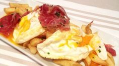 Receta de huevos rotos con jamon ibérico Ham Recipes, Mexican Food Recipes, Ethnic Recipes, Mexican Tapas, Spanish Cuisine, Dinner Party Recipes, Kitchen Dishes, Brunch, Appetizers