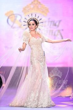 Miss Supranational Philippines 2015 Rogelie Catacutan wows in a Philipp Tampus national costume Modern Filipiniana Gown, Filipiniana Wedding Theme, Wedding Gowns, Debut Dresses, Pageant Dresses, Philippines Dress, Philippines Culture, Bridal Lace, Costume Dress