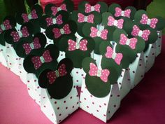 minnie mouse favor bags This except with corgi ears :D