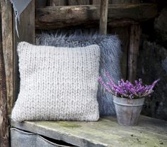 Cosy #interiors #decoration #cushions
