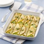 I cannelloni con verdure hanno come base delle crespelle: una preparazione rapida ma dall'effetto sicuro. Leggi la ricetta su Sale&Pepe.