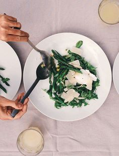 Nutritionist and frequent goop contributor Shira Lenchewski has built a robust business in Los Angeles helping women blaze a trail to healthy eating, who don't have time to shop for food, much less craft it into an Instagram-worthy dinner.