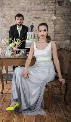 ANNE WOLF: Kleid Annika - aus zarter Spitze über Seidensatin und Rock aus Seidenchiffon mit Farbverlauf.  Wundervoll einzigartig!