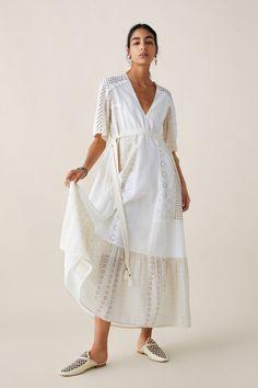ZARA - Female - Limited edition zara studio openwork embroidered dress - White - S Vestidos Zara, Mini Vestidos, Denim Oversize, Rustic Dresses, Online Zara, Maxi Robes, Tie Dress, Mannequin, Ideias Fashion