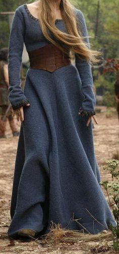 Keskiaika mekko