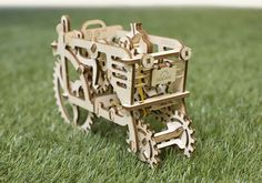 Ugears Tractor. You can find it at kooqie #Ugears #kooqie #cookie #Tractor #puzzle #3dpuzzle #farm