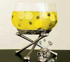 Punch bowl OMG I WANT THIS FOR MY HOUSE