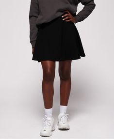 Black Skater Skirts, Mini Skirts, Cute Marshmallows, Black Models, Superdry, Moncler, Elegant, Get The Look, Winter Jackets